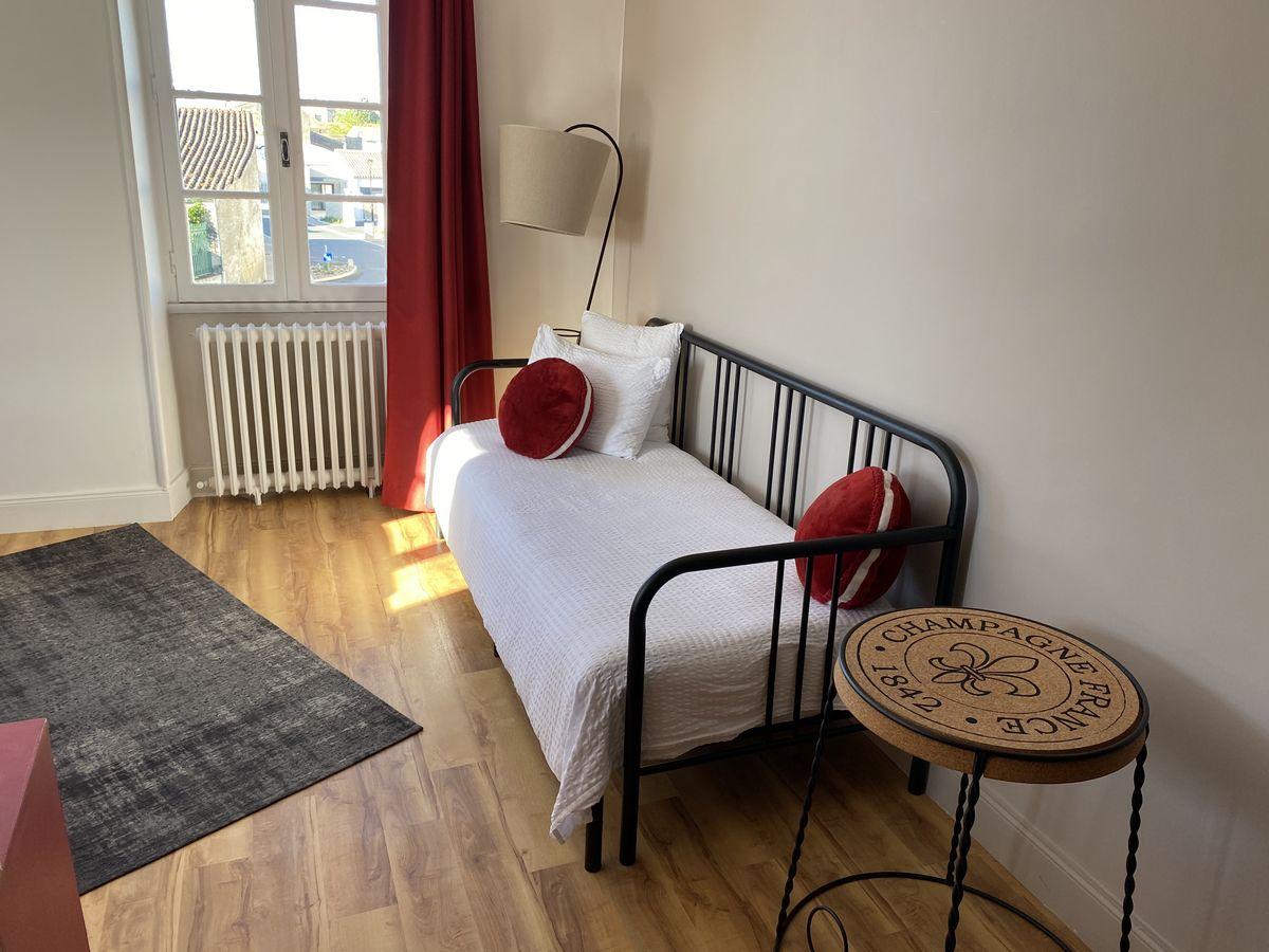 """La chambre """"Le chais"""" La Rochelle et Aunis"""